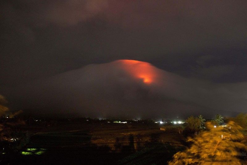 NDRRMC reiterates warning as Mayon Volcano continues to spew lava