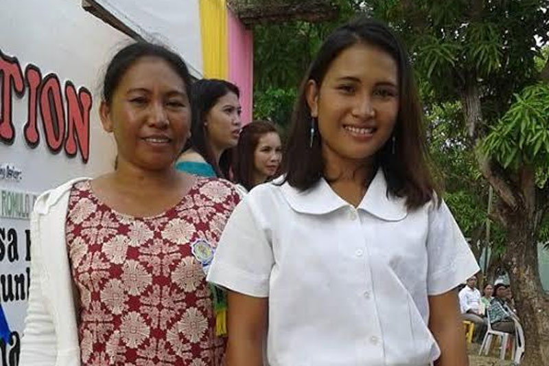 """""""Rosa"""" is among the many teen mothers who completed Grade 10 through the Open High School Program (OHSP) of Plan International Philippines under its Project RAISE (Real Assets through Improved Skills and Education for Children Girls). Her mother Lolita fully supports her as she pursues senior high school, onto her dream of becoming a fashion designer."""