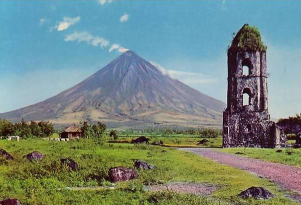 The public has been advised to stay out of the six-kilometer Permanent Danger Zone around the volcano.File photo
