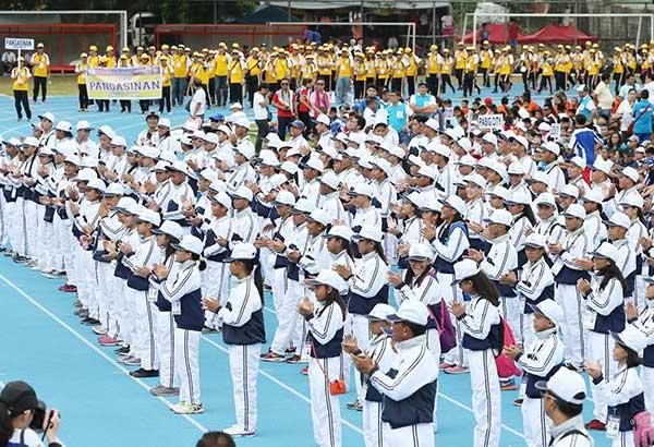 Nagparada ang mga kabataang atleta na kalahok sa Batang Pinoy Luzon Leg sa Vigan Ilocos Sur sa opening ceremony kahapon. Joey Mendoza