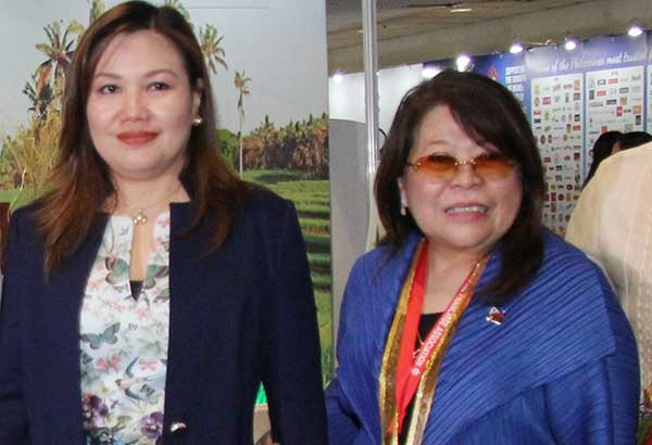 Limjoco sharing light moment with President Duterte's partner Honeylet Avancena  at the recent Franchise Asia Philippines 2017 international expo opening at the SMX Convention Center Manila.