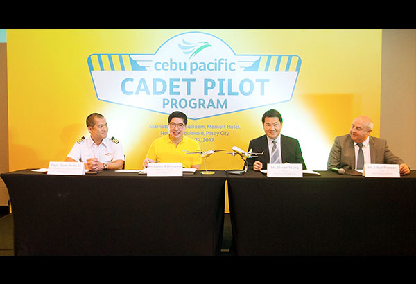 (From left) Cebu Pacific vice president for flight operations Capt. Samuel Avila II, Cebu Pacific chief executive officer Lance Gokongwei, Flight Training Adelaide owner Steven Young and  FTA chief executive officer Johan Pienaar