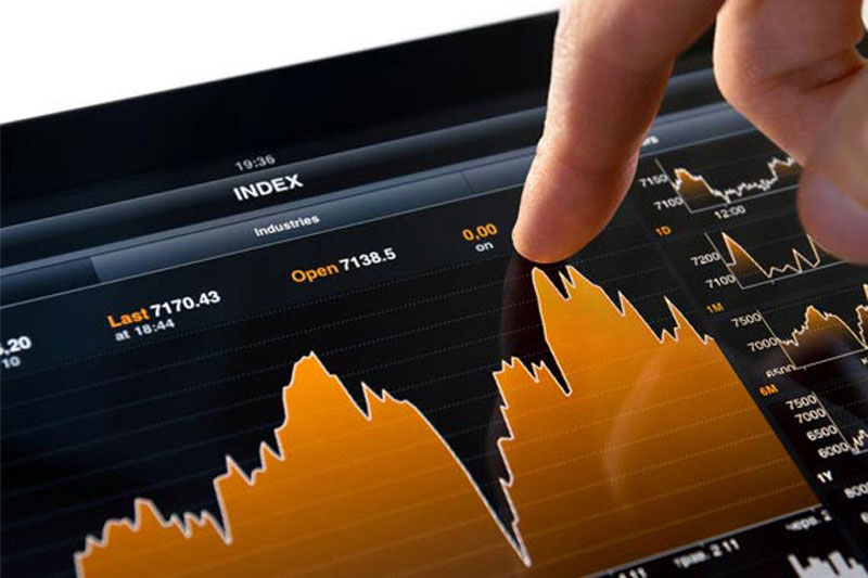 Jonathan Ravelas, chief market strategist at BDO, said the Philippine Stock Exchange index (PSEi) may finally try the 9,000 level this week. File