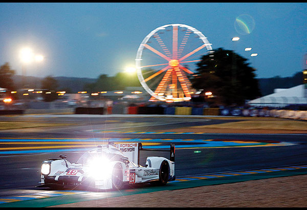 1 2 For The Porsche 919 Hybrids In Le Mans Motoring
