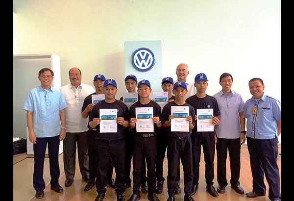 Don bosco students graduate from volkswagen philippines for Motoring technical training institute