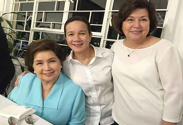 At the dinner Wednesday night, Sept. 16, Presidentiable/Sen. Grace Poe with her mom Susan Roces and Boots Anson-Roa-Rodrigo… photos by Ricky Lo