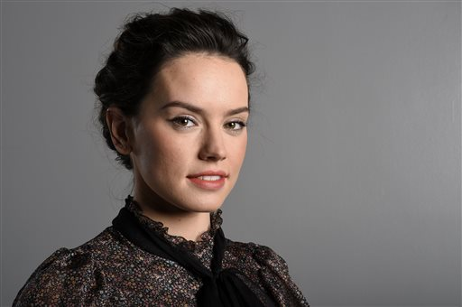Daisy Ridley earned a  million dollar salary, leaving the net worth at 0.5 million in 2017