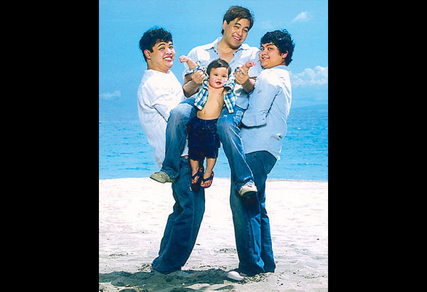 Throwback Monday: In this old photo by Jun de Leon, Martin Nievera takes time out to play with sons Robin and Ram (with ex-wife Pops Fernandez) and Little Santino (with an ex-girlfriend)
