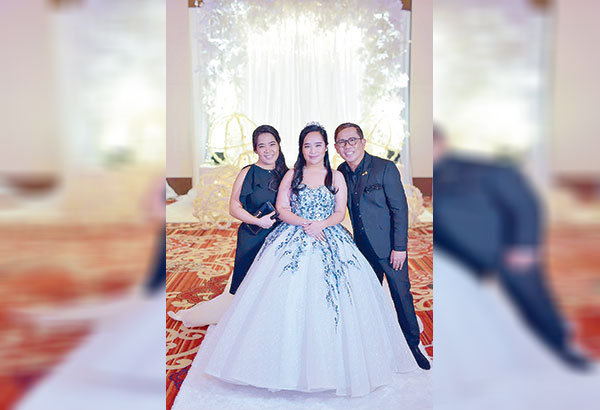 Ruel 'Ahwel' Paz with wife Ma. Theresa San Juan and their only daughter Mary Elijah. 'They are my biggest blessing,'says Ahwel