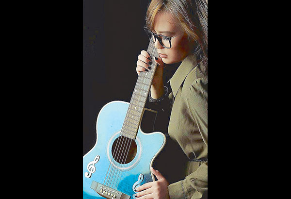 Jayrah Kaye, who hails from Davao, composes her own songs and her first single is May Tatlong Bibe