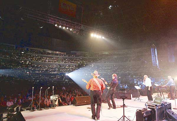 Cascades' first sold-out show at the Araneta Coliseum