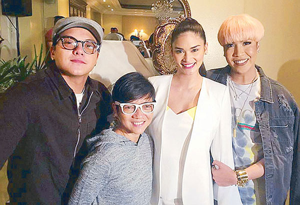 "The cast of the MMFF 2017 top-grosser ""Gandarrapiddo: The Revenger Squad"": director Joyce Bernal (second from left) with stars (from left) Daniel Padilla, Pia Wurtzbach and Vice Ganda. The STAR/File"