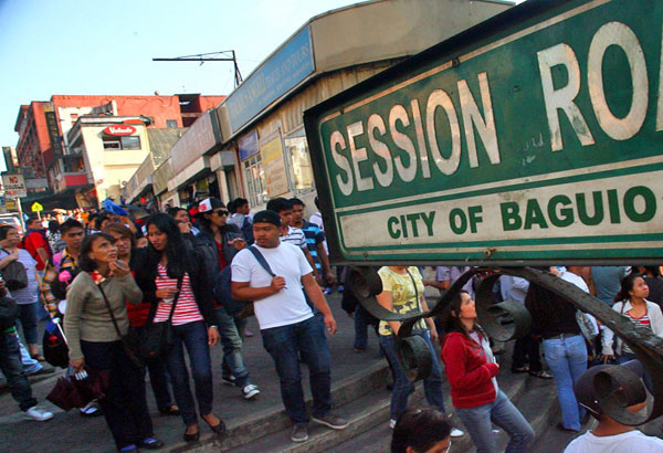Baguio City Mayor MauricioDomoganannounced the suspension of classes from pre-school to high school from November 14 and 15. File