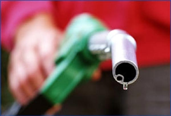 This week's fuel price increase was pinned on hopes that the Organization of the Petroleum Exporting Countries and non-OPEC members will still implement an output freeze, Energy Secretary Zenaida Monsada said in a briefing yesterday. Philstar.com/File Photo