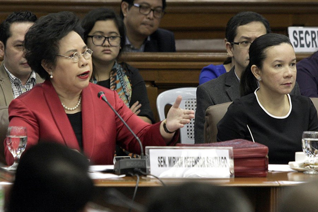 Senator Miriam Defensor Santiago (left) interpellated MILF chief peace negotiator Mohagher Iqbal (not in photo) during the third public hearing on the Mamasapano incident led by Sen. Grace Poe (right). Senate PRIB/Lex Nueva España