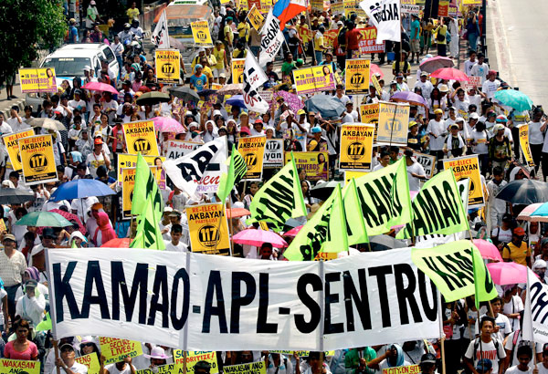 "president aquino 10 point agenda Balladares' group issued their 10-point agenda to aquino, a day before his inaugural on june 30 as the 15th president of the philippines among the concerns that ofws want the new administration to address is the ""overpriced"" e-passport issued in hong kong, which according to balladares is three times more than in the philippines."