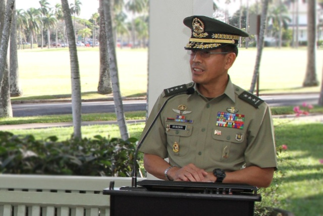 New AFP chief welcomes gov't openness to resume talks with NDF ...