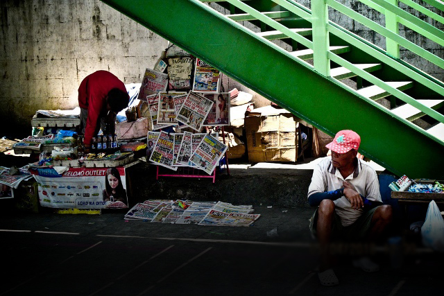 Many footbridges around Metro Manila are painted after the color of the political affiliations of the leaders of the local government unit that ordered their construction, MMDA chief says. Reuel Mark Delez/CC