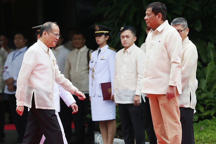 With drug war questioned, Palace showers Aquino with figures Featured