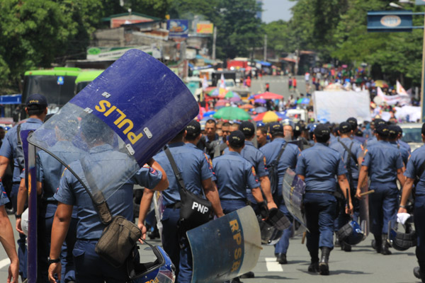 DBM Chief: 100% Pay Hike For Cops, Soldiers 'doable' By