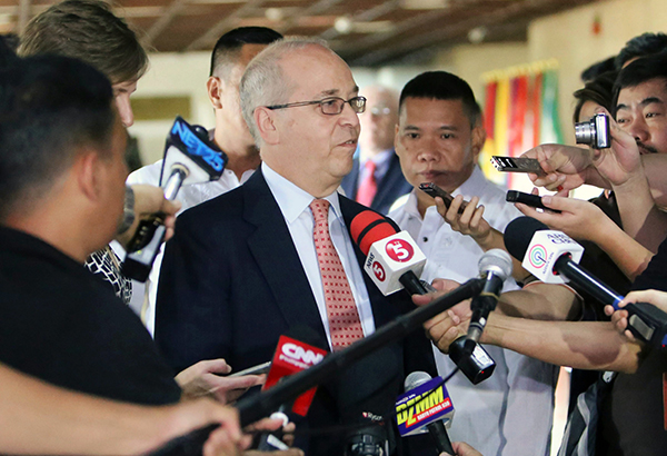 Photo shows US Assistant Secretary of State Daniel Russel talking to the press after a meeting with Foreign Affairs Secretary Perfecto Yasay Jr. at the Department of Foreign Affairs yesterday. EDD GUMBAN