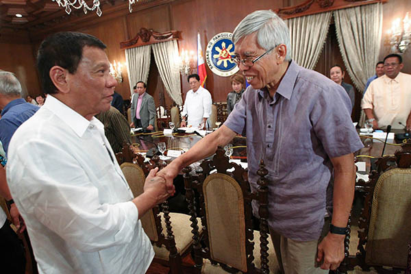 President Rodrigo Duterte presides over the meeting of the Government of the Philippines (GPH) and the National Democratic Front of the Philippines (NDFP) peace panels held in Malacañan's State Dining Room on Sept. 26, 2016. PPD/Ace Morandante