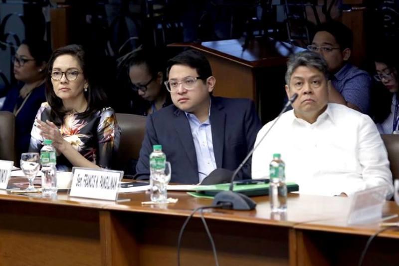 Biglang kabig? Minority senators binawi ang panawagan ni Risa para pagbitiwin si Aguirre