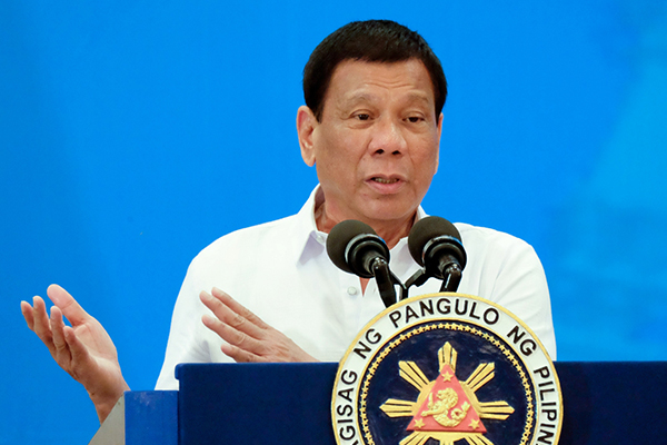 Opposition warns of term extension for Duterte