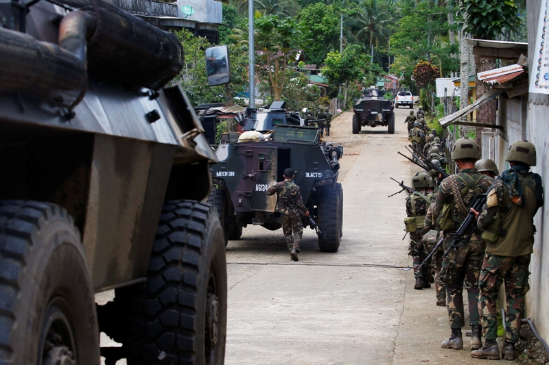 RomeoBrawner, deputy commander of Task GroupRanaosaidthe hostilities may end within the153rdday into the crisis. AP/Bullit Marquez, File