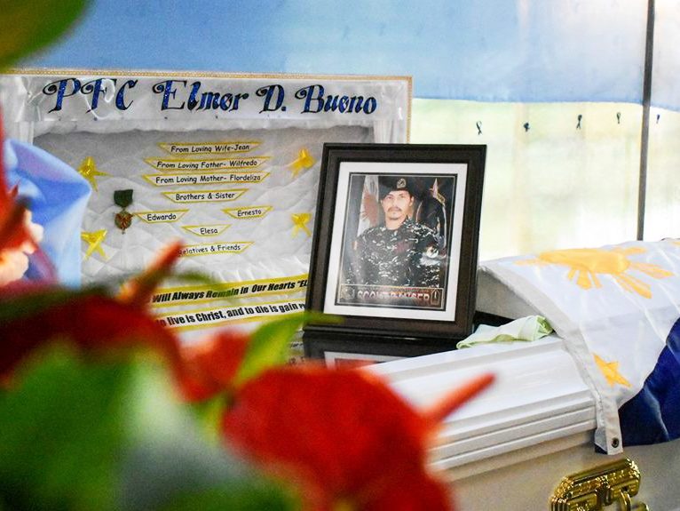 Residents of Alamada municipality will give Pfc. Elmer Bueno of the Army's Scout Ranger Regiment a hero's burial next week. Philstar.com/John Unson
