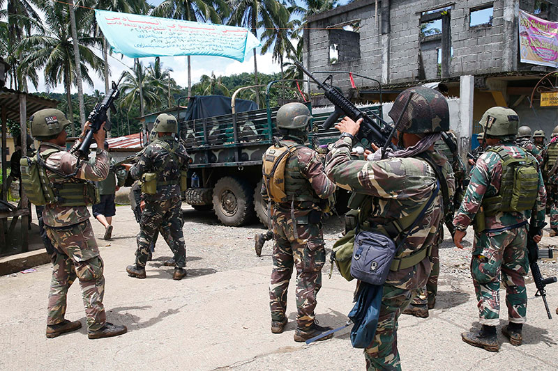 Philippines army struggles as city siege enters fourth week
