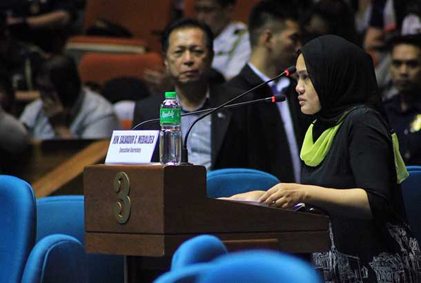 Ranao Rescue Team spokesperson Samira Gutoc-Tomawis giving her testimony during a Congress session on martial law extension. Grace Poe