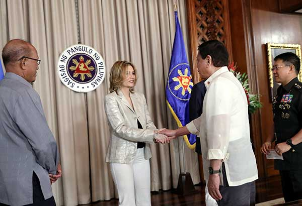 Photos show President Duterte welcoming Monica Louise Prieto-Teodoro at Malacañang for the signing and turnover of a deed of donation to the AFP on Tuesday.
