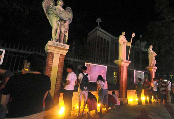 Philippine presidential guard shot dead, Duterte not nearby