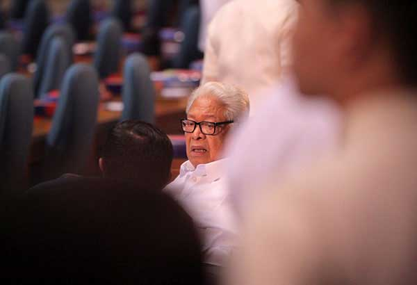 Opposition Rep. Edcel Lagman yesterday sent Mindoro Oriental Rep. Reynaldo Umali, who chairs the House of Representatives committee on justice, a letter containing his request. Philstar.com/AJ Bolando, File