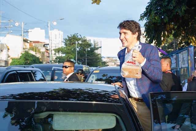 Canada's Justin Trudeau stops by Jollibee hours after arriving in Manila