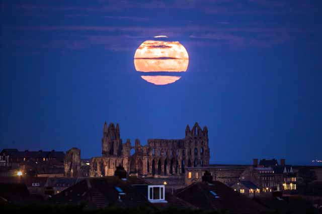 See the only 2017 appearance of the supermoon