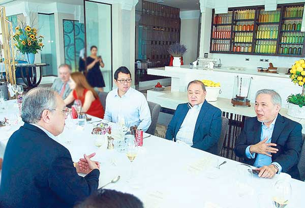 With STAR president and CEO Miguel Belmonte, MVP Group head Manny Pangilinan and STAR chairman Atty. Ray Espinosa.
