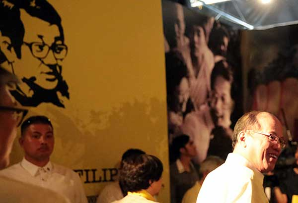 File photo shows former president Benigno Aquino III visiting the People Power Experiential Museum at Camp Aguinaldo on Feb. 25, 2016. The museum featured photographs and other memorabilia of the martial law years and bloodless revolt in 1986 that was sparked by the murder of his father, late senator Benigno Aquino Jr.