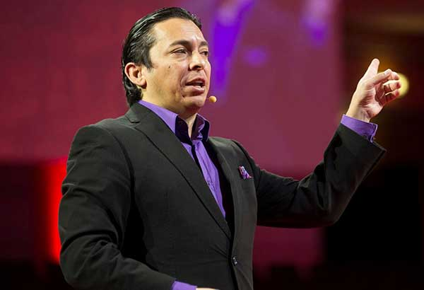 Thought leader: Brian Solis, award-winning author, recognized blogger, and principal analyst of the Altimeter Group, delivers the keynote at Digicon DX 2017.