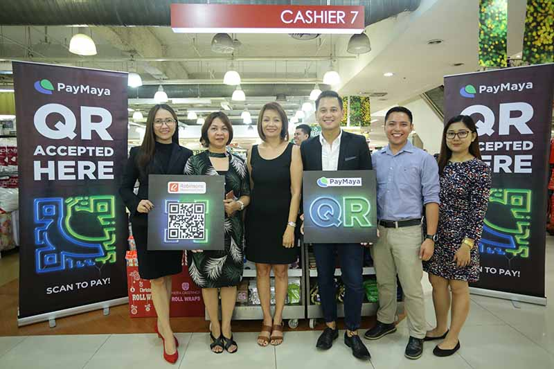 From left to right: Nice Basas, Store Manager, Robinsons Department Store Galleria; Olive Victorino, Operations Manager, Robinsons Department Store; Gina Salgado, Vice President, Robinsons Business Center; Raymund Villanueva, Head of Issuing, PayMaya Philippines; Roy Gonzalez, Key Accounts Officer, PayMaya Philippines and Joyce Anne Ramos, Key Accounts Officer, PayMaya Philippines. Released