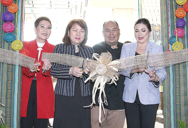 (From left) Diamond Hotel's GM Vanessa Suatengco, DTI Asec. Rosvi Gaetos, guest Chef Tatung Sarthou and La Bon Vie Enterprises founder Dina Bonnevie-Savellano lead the ceremonial ribbon-cutting for the Filipino Food Festival.