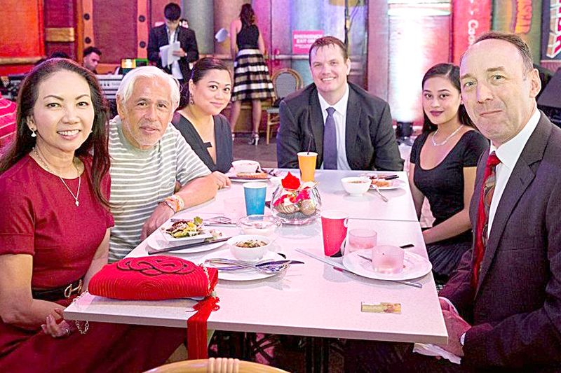 Lifestyle Asia editor-in-chief Anna Sobrepeña, Metro Society editor-in-chief Raul Manzano, Candy Dizon, City of Dreams Manila VP for gaming Kevin Benning, Jacqueline Dizon and City of Dreams Manila property president Geoff Andres