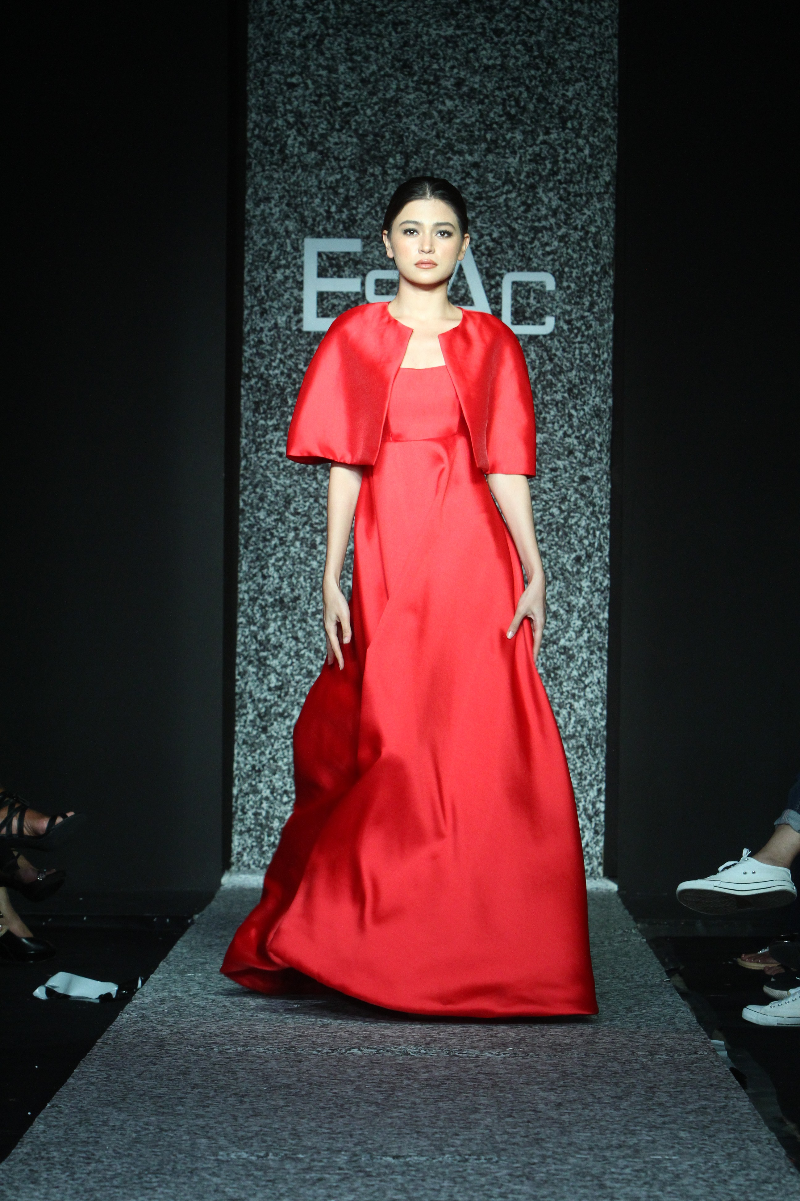 Fashion designers reveal Holiday 2017 forecasts at Philippine ... 1798d93af
