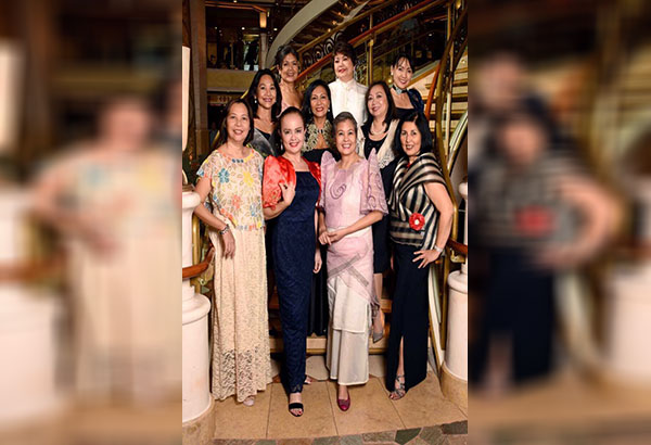 Captain's dinner: Leen, Lilibeth, author Maryann Tayag, Mer, Irma, Jo, Grace, Glo, Doddie, and Gina