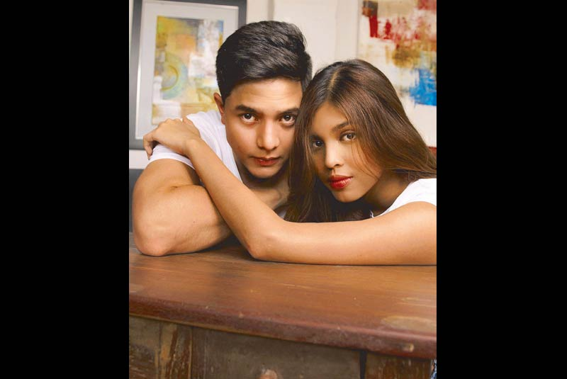 Dressed in understated plain white-t-shirts, both Alden and Maine attract attention without even having to try. Photos by Cenon Norial III | Produced by David Milan/The Philippine Star, File