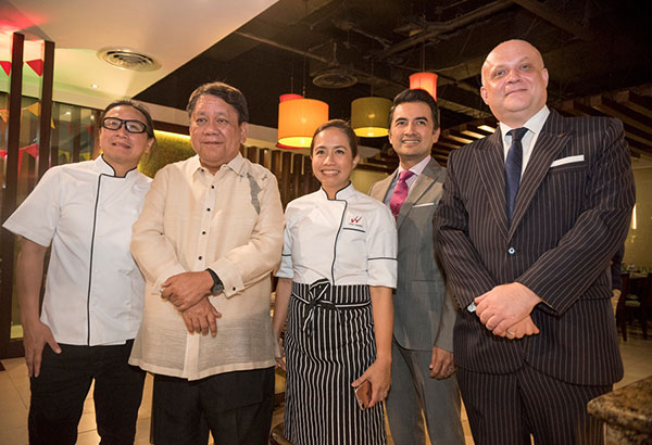Chef Roland Laudico, Cebu City Mayor Tomas Osmeña, chef Jackie Laudico, Benhur Caballes and GM Anders Hallden
