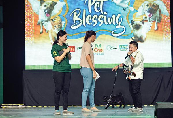 Aiza Seguerra introduces Pug Porky to Karen Pamintuan and Philippine Animal Welfare Society executive director Anna Cabrera.