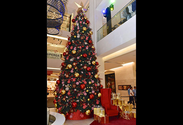 """Central Square brings in more cheer for the holidays with """"Traditions of Christmas"""" every Saturday and Sunday of December until Christmas Eve."""
