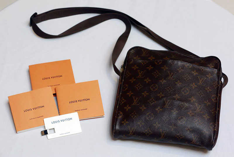49f71b3c5e7b Newer LV bags come with a booklet and a USB drive to prove authenticity.